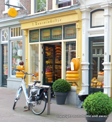 Gouda cheese shop