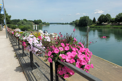 Tournus river Saone