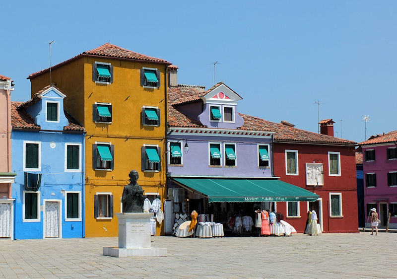 Venice Burano coulourful houses