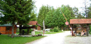 Camping Menina entrance with old wine press