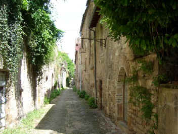Back lane in Cordes-sur-Ciel