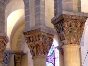 st nectaire columns