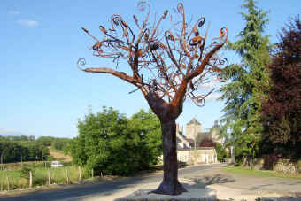 Gignac - Iron Tree sculpture